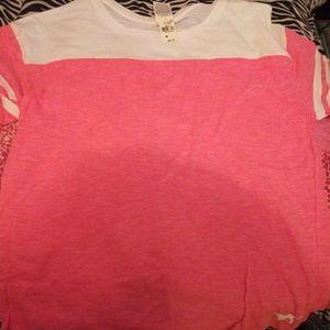 Vs pink tshirt